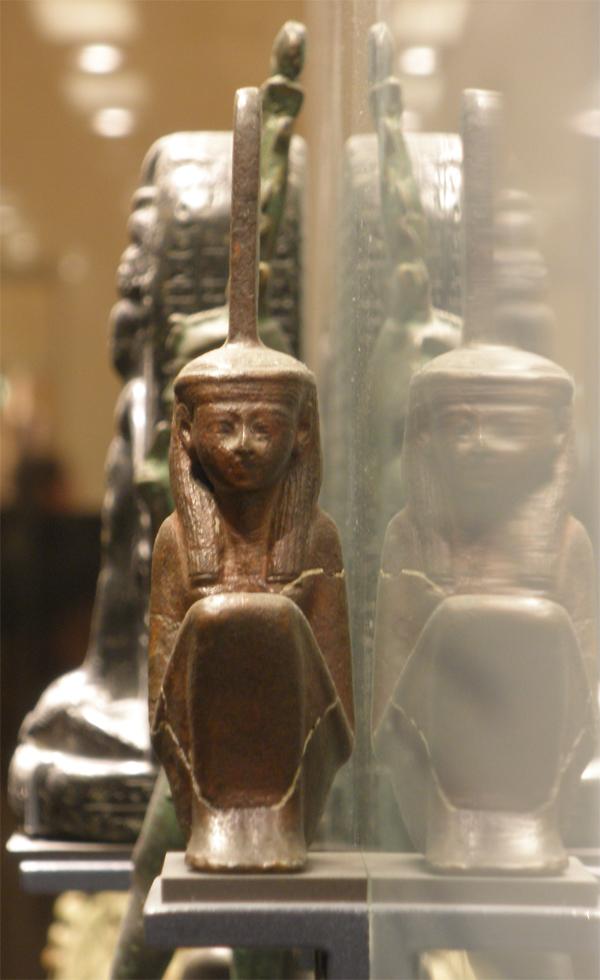 http://hieroglyphe.djehouty.free.fr/hieroglyphes/maat/maat2.jpg